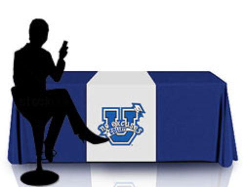 Un desk bancone per fiere trasportabile sws smart stand solutions - Tavolo pieghevole a valigia ...