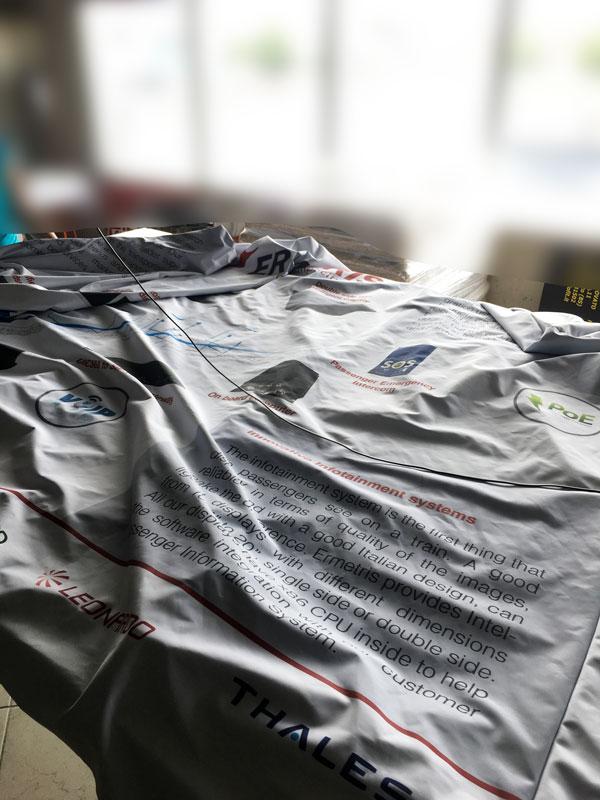 Tessuto da confezionare del nostro wide fabric dritto