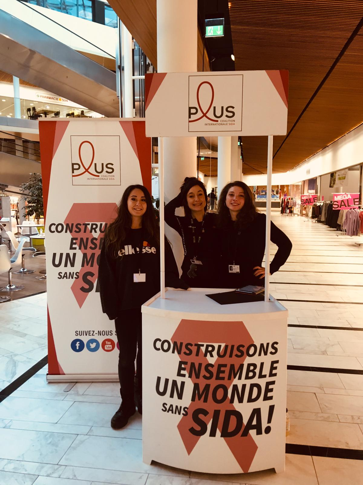 Desk promoter | In centro commerciale